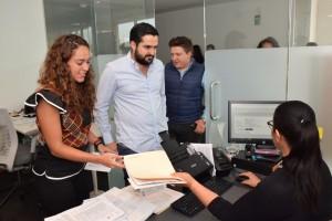 foto3 Diputados Abigail Arredondo y Agustín Dorantes